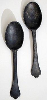 Pair of Dognose spoons, c. 1700