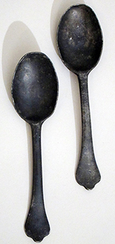 Pair of Dognose spoons, c. 1700